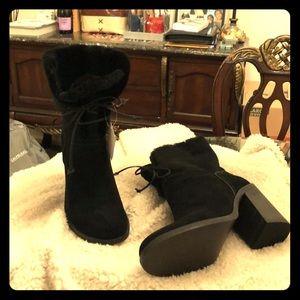 Black Ugg Suede boots